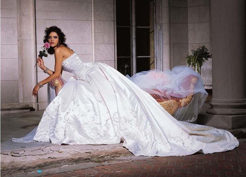 mermaid wedding dresses with long trains 81
