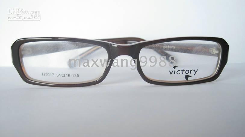 Contact Lenses vs. Eyeglasses | eHow.com