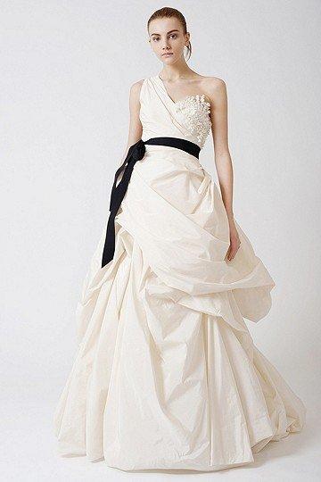 Famous Wedding Dress Designer   All About Wedding & Bridesmaid Dresses