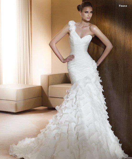 Eliz 39 s blog free shipping 2011 gorgeous oneshoulder for Wedding dress free shipping