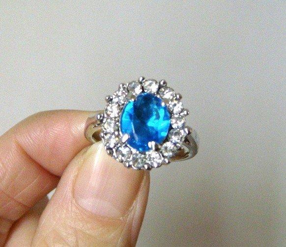 princess diana wedding ring replica. kate middleton ring replica