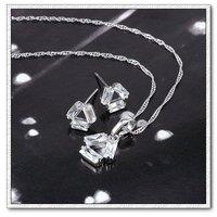 Moda mariposa configuración joyas, cobre con platinado conjunto de joyas CZ colgante y pendientes (twinset), un collar gratis (China (continental))