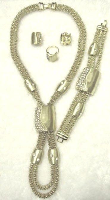 retail fashion jewelry
