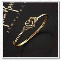Corazón de la moda forma brazalete pulsera, brazalete de cobre con baño de oro 18k, joyería zirconia pulsera, envío gratis (China (continental))