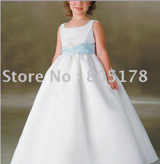 Наш магазин предлагает Вашему вниманию огромный выбор моделей детских. платьев, детские платья для девочек оптом