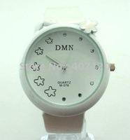 Envío gratis por mayor Nueva cuero flor Watch, reloj de cuarzo, reloj de pulsera, reloj dama (China (continental))